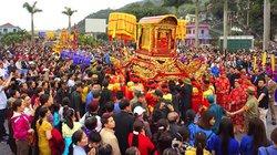 Quảng Ninh: Khai hội ngôi đền tiền công đức trăm tỷ đồng một năm