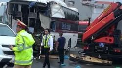 Tài xế ô tô khách đâm xe cứu hỏa: Nếu đánh lái có thể thương vong hơn