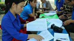 """Lâm Đồng: Hàng trăm giáo viên mang nợ """"trên trời rơi xuống"""""""