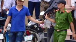 Bàn giao các đối tượng xả súng chết người tại Kon Tum cho công an