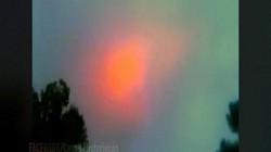 Video: Quả cầu màu cam bí ẩn gợi đến ngày tận thế