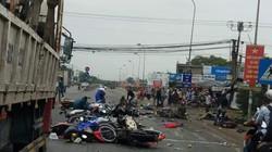 Kinh hoàng container ủi loạt xe máy dừng đèn đỏ, 19 người thương vong