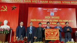 """Sở Xây dựng Hà Nội nhận cờ thi đua """"đơn vị xuất sắc"""" của Bộ Xây dựng"""