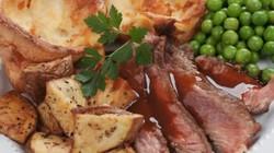 Không ngờ món ăn hằng ngày của hoàng gia Anh là những thứ đơn giản quen thuộc này