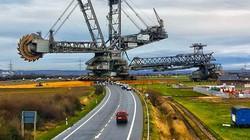 Cận cảnh cỗ máy khủng nhất thế giới, trông không khác gì tháp Eiffel