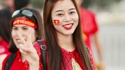 Nữ CĐV xinh đẹp sang tận UAE cổ vũ tuyển Việt Nam đấu Yemen