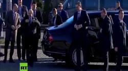 """Siêu xe """"boong-ke 4 bánh"""" của ông Putin gây chú ý ở Serbia"""