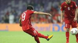 """AFC bị... chỉ trích vì """"siêu phẩm"""" sút phạt của Quang Hải"""