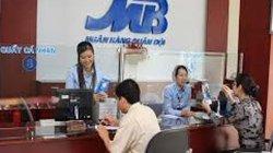 """MBBank lọt Top 5 ngân hàng lãi """"khủng"""", thu nhập bình quân 30 triệu/tháng"""