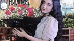 """Đức Chinh tặng hoa mừng sinh nhật bạn gái giữa """"cơn bão"""" chiến thắng"""