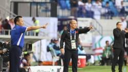 """HLV Park nói gì trong giờ nghỉ giúp Việt Nam """"đè"""" Jordan ra mà đá?"""