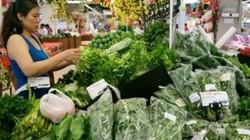 """TP.HCM: Thực phẩm, rau xanh """"ùn ùn"""" về siêu thị, giá tăng nhẹ"""