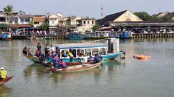 Nhói lòng nhìn cảnh trục vớt ô tô chứa thi thể cha con ở Quảng Nam
