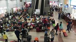 Về quê đón Tết, hàng nghìn người dân bơ phờ ở ga Sài Gòn