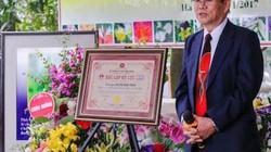 Chào Xuân 2019, gặp kỷ lục gia sáng tác thơ về các loài hoa nhiều nhất VN