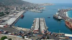 Nóng: Giữa khủng hoảng chính trị, cảng biển Venezuela phát nổ?