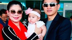 Vợ chồng Thanh Thảo lần đầu đưa con gái về Việt Nam đón Tết