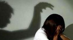 Hai thanh niên cưỡng bức cô gái 17 tuổi mới quen trong nhà nghỉ