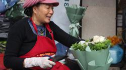 Lễ tình nhân 2019: Hoa hồng ngoại đắt đỏ hút khách