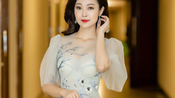 MC Thùy Linh khoe vẻ đẹp mong manh, gợi cảm, tiết lộ lý do độc thân ở tuổi 32