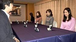 Những con robot tí hon làm sứ giả hẹn hò cho 28 cặp đôi ở Nhật Bản