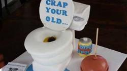 Những chiếc bánh sinh nhật mà người nhận chỉ muốn quay mặt bỏ đi
