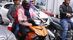 Hà Nội trở lạnh, mưa phùn: Lại khăn áo nhiều lớp nai nịt ra đường