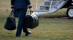 Chiếc valy hạt nhân theo ông Trump sang Việt Nam tối nay