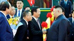 Bước xuống từ tàu bọc thép, ông Kim Jong-un nói rất cảm ơn Việt Nam