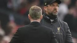 """HLV Klopp văng tục, đổ lỗi """"cực dị"""" khi Liverpool hòa M.U"""