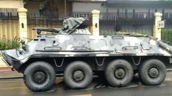 Xe thiết giáp trang bị vũ khí hạng nặng xuất hiện trên phố Hà Nội