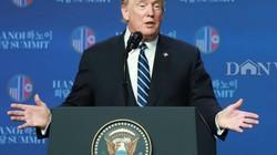 Hình ảnh hàng trăm phóng viên họp báo cùng Tổng thống Donald Trump