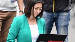 Nữ PV Hàn đẹp như minh tinh tác nghiệp tại hội nghị thượng đỉnh HOT nhất tuần