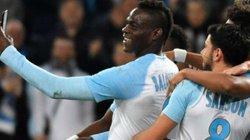 Clip: Lập siêu phẩm, Mario Balotelli ăn mừng siêu dị