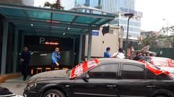 Bảo vệ chung cư The Golden Palm chặn xe ô tô cư dân xuống hầm