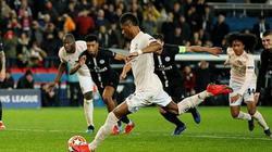 """Clip: Lingard hét đến khản cổ vì bàn thắng """"vàng"""" của Rashford hạ PSG"""
