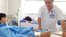 Bác sĩ tiến hành gần chục ca mổ cứu đôi chân 9X bị xe cán