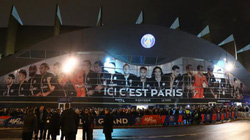 SỐC: Ăn mừng chiến thắng trước PSG, CĐV M.U bị đâm thấu ngực tại Paris