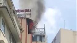 TP.HCM: Nhà hàng trung tâm bốc cháy, thực khách bỏ chạy thục mạng