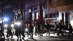 Venezuela chìm trong bóng tối: Bác sĩ dùng đèn pin để phẫu thuật