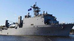 Chiến hạm Mỹ bị buộc ở ngoài khơi suốt 2 tháng không được phép cập bờ
