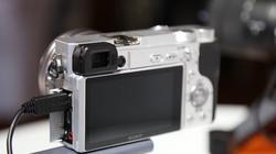 Sony công bố máy ảnh α6400 lấy nét nhanh nhất thế giới, tích hợp trí tuệ nhân tạo