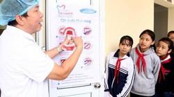 Ninh Bình: Gần 1.500 học sinh được khám răng miễn phí