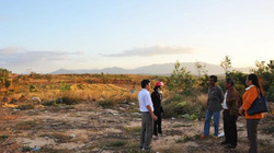 Vụ mua bán đất công ở Gia Lai: Dấu hiệu làm giả giấy tờ mua đất