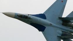 Nga điều Su-27 đuổi máy bay ném bom chiến lược B-52 của Mỹ