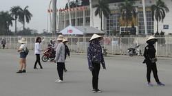 Ảnh, clip: Vé xem U23 Việt Nam đá vòng loại không sốt, phe vé ế nặng