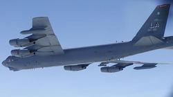 """Chiến đấu cơ Su-27 Nga truy đuổi """"pháo đài bay"""" B-52: Mỹ nói gì?"""