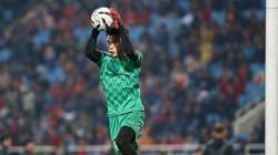CLIP: Bùi Tiến Dũng mắc sai lầm ngớ ngẩn, U23 Việt Nam thót tim