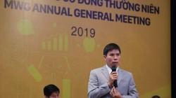 Chiếc điện thoại cũ kỹ của ông Nguyễn Đức Tài và áp lực lợi nhuận 3.571 tỷ của Thế giới di động