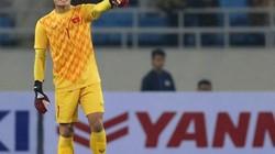 """Bùi Tiến Dũng bắt bóng như """"mơ ngủ"""", cựu thủ môn ĐT Việt Nam nói gì?"""